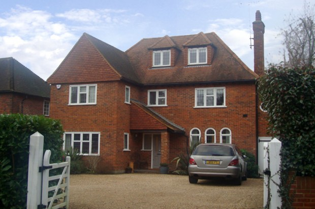 Stompond Lane, Walton-on-Thames, Surrey KT12