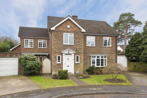 Barham Close, Weybridge, Surrey KT13