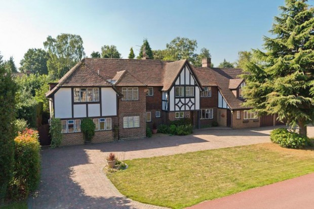 Ashley Park Avenue, Walton-on-Thames, Surrey KT12